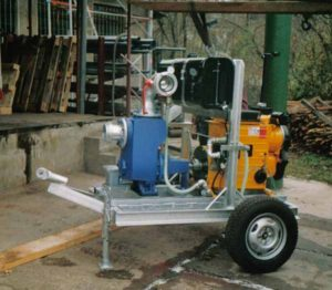 Für Anlagenbau: KSB Etaline Pumpe mit Hatz Dieselmotor auf Anhänger montiert